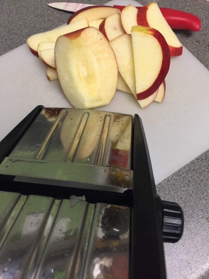 Gingerbread Apple Nachos